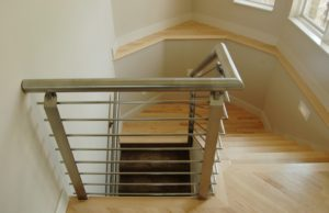 STAINLESS HORIZONTAL RAIL