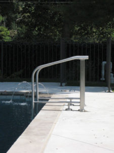 STAINLESS POOL LADDER