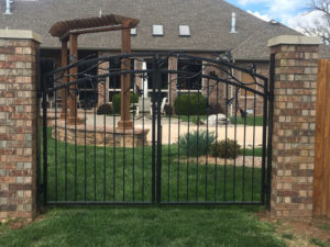 DOUBLE WALK GATE WITH BRANCHES