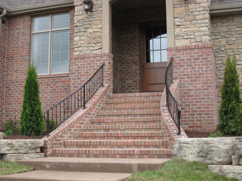 SHORT KNEE WALL RAILING