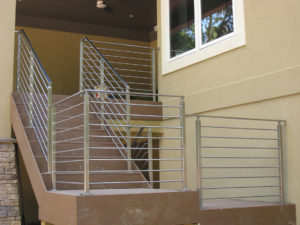 EXTERIOR STAINLESS RAIL