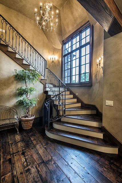 STAIR RAILING WITH CUSTOM PICKETS