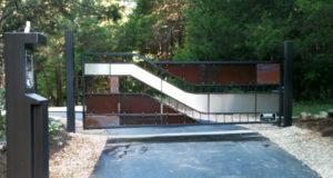 COPPER STAINLESS RUST DRIVE GATE