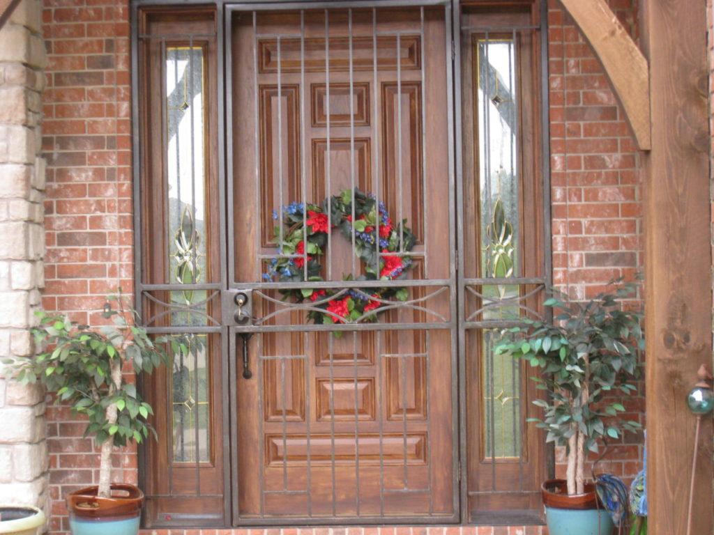 PROTECTIVE DOOR GRILL