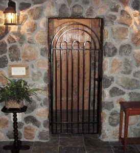 INTERIOR WALK GATE CURVED TOP