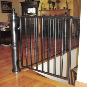 STAIR GATE LARGE NEWELS
