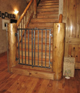 HAMMERED DOUBLE GATE