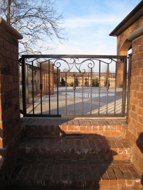 SCROLL ACCENT WALK GATE