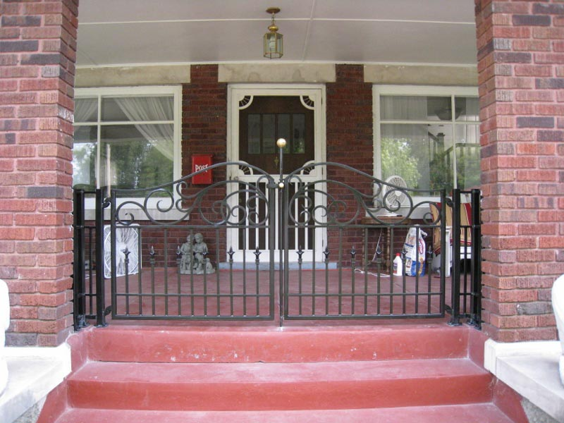 DOUBLE PORCH WALK GATE