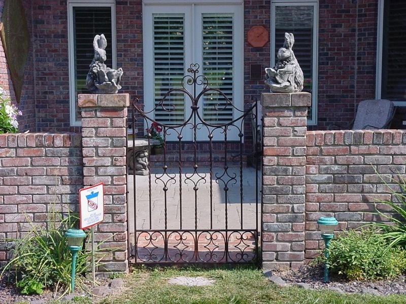 DOUBLE WALK GATE