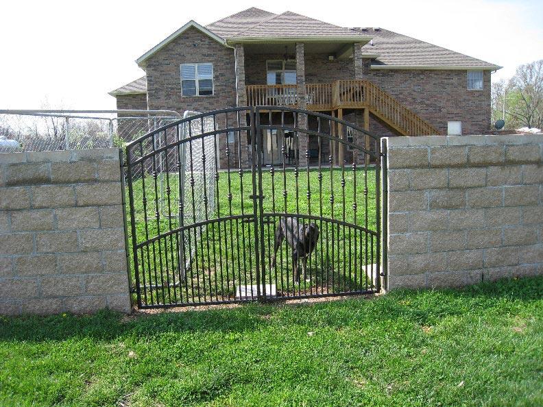 DOUBLE DOG GATE
