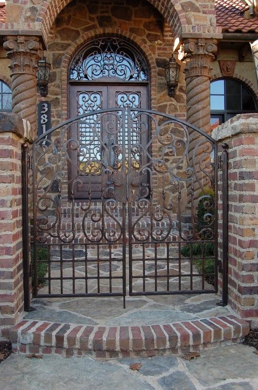 DOUBLE WALK GATE SCROLLS