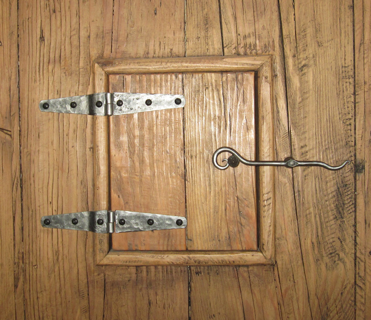 FORGED HINGES LATCH