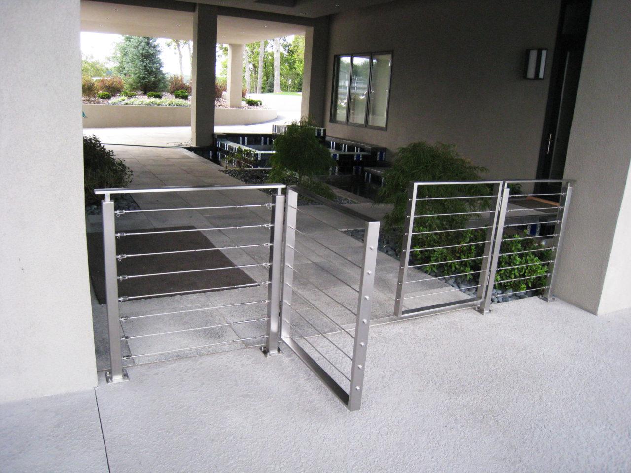 STAINLESS WALK GATE
