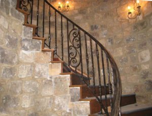 CURVED RAILING WITH PANEL