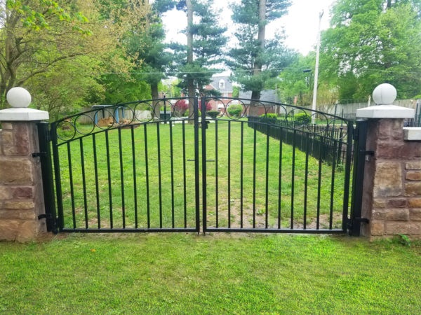 WALK GATE CIRCLE